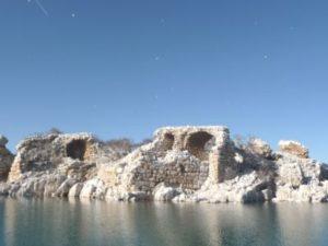 kizkalesi-adasi-ndaki-tarihi-saray-kalintilar-3512026_o